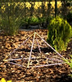 Piramida Szkieletowa 30 cm...
