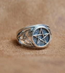 pentagram pierścień