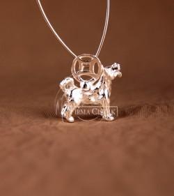 Chinese character pendant dog