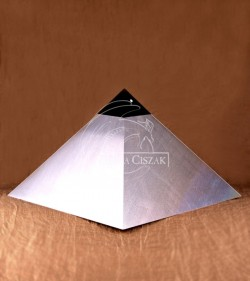 pyramid aluminum height 20cm