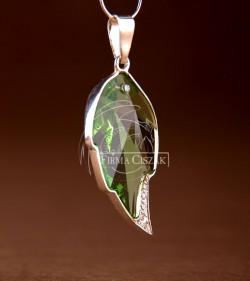 crystal leaf peri pendant